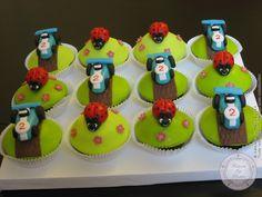 Cupcakes voitures de courses et coccinelles