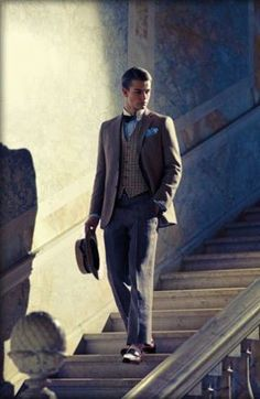 Menswear: Brooks Brothers clothing for men inspired by the and The Great Gatsby costumes including clothes, shoes, boater hats and accessories. Dapper Gentleman, Dapper Men, Gentleman Style, The Great Gatsby, Brooks Brothers, Costume Anglais, Brothers Clothing, Tweed, Gatsby Costume