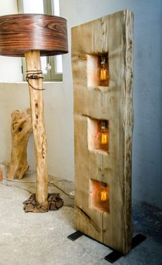 Halbe Fichte Stamm-Baum mit Metallbasis und Edison-Lampen Half spruce tree trunk with metal base and Edison bulbs