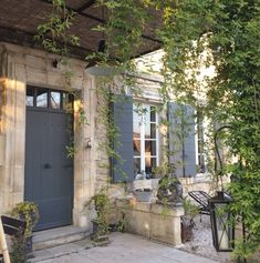 Provence is my second home. Shutters With Curtains, Interior Window Shutters, French Country House, French Farmhouse, Farmhouse Style, Exterior Design, Interior And Exterior, Country Interior, Diy Interior