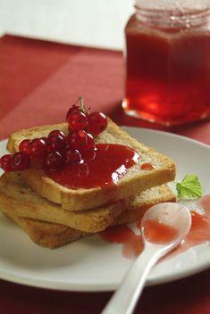 Je těžké nechat sklenici se sladkou lahůdkou celý týden bez povšimnutí. O to více se ale na skvělou snídani z ... Pancakes, Breakfast, Food, Morning Coffee, Meal, Crepes, Essen, Pancake, Hoods