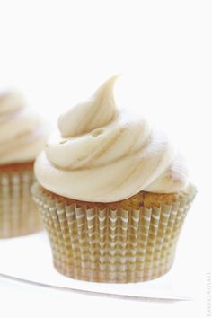 Banana Chocolate Chip Cupcakes with a Fluffy Marble Cream Cheese Frosting | Bakers Royale