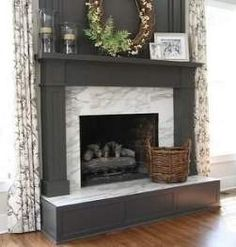 Marble Fireplace Mantle - Design photos, ideas and inspiration. Amazing gallery of interior design and decorating ideas of Marble Fireplace Mantle in bedrooms, living rooms, dining rooms by elite interior designers. Home Fireplace, Bookshelves Built In, Fireplace Design, Family Room, Home And Living, Home Living Room, New Homes, Fireplace Makeover, Fireplace Surrounds