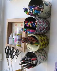 Una manera de reciclar las latas que tienes  , además de gran ayuda para mantener el orden en tu hogar