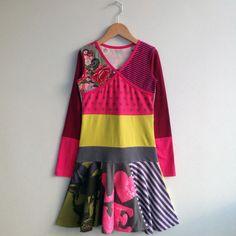Meisjes jurk maat 134/140 met cirkel rokje gemaakt van door dressme