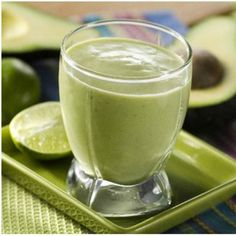 Apple Avocado Smoothie 1 Granny smith apple cored and cut into pieces ripe hass avocado cup water 3 sprigs of mint leaves 1 tsp freshly squeezed lime juic. Avocado Smoothie, Healthy Smoothies, Smoothie Drinks, Easy Soup Recipes, Dairy Free Recipes, Gluten Free, Prosciutto Recipes, Chicken Prosciutto, Superbowl Desserts