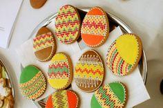Video: Naučte sa zdobiť veľkonočné medovníky Royal Icing, Easter Eggs, Ale, Sugar, Cookies, Desserts, Food, Ideas, Deserts