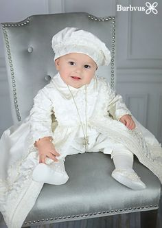 This Baby Boy Christening Gown, Spanish Style outfit (ropones para bautizo). Baptism Outfit is just one of the custom, handmade pieces you'll find in our baby boys' clothing shops. Baby Boy Christening Outfit, Christening Gowns For Boys, Baby Baptism, Baptism Party, Baptism Gown Boy, Outfit Bautizo, Dope Outfits, Fashion Outfits, Fashion Trends