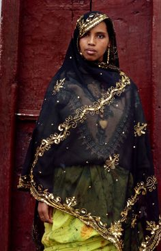 Africa | Portrait of a Oromo Woman. Harar, Ethiopia