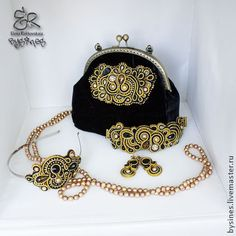 bag and jewelry set
