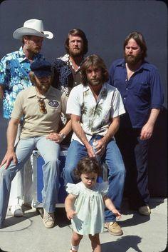 Carl Wilson, Dennis Wilson, Wilson Brothers, The Beach Boys, Boy Pictures, Rock Legends, Best Vibrators, Pop, Couple Photos