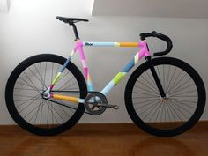 "#Fixie #bike #8bar  @dipentum31 this is the only bike with pink that I think I like, you know I've always loved ""boy bikes"""