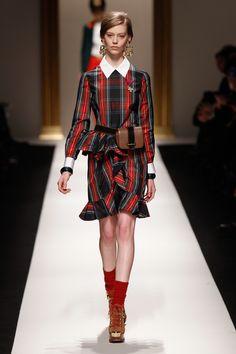 Moschino 2013-2014 fall/winter fashion show #moschino #fashion