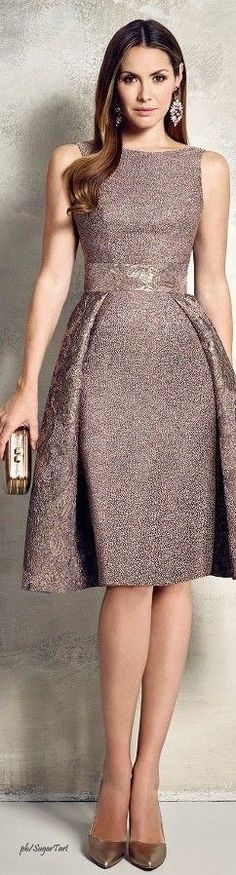 Vintage fashion elegant look
