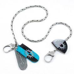 """Die edle Schlüsselkette """"Sun"""" aus Sterlingsiber ist ein ganz besonderes Accessoire aus der Gem Kingdom-Kollektion """"Elements"""". Endlich bekommen deine Schlüssel oder dein Portemonnaie ein stattliches Zuhause."""