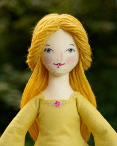 Beauty PDF ePattern Wool Felt Doll di LolliAndGrace su Etsy