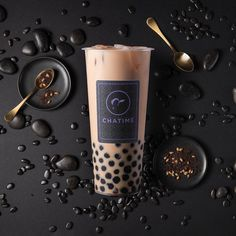 Talk Boba is home to the most engaging community around bubble tea. Aiming to continue the conversation with Asian American's with bubble tea and boba. Bubble Tea Menu, Bubble Tea Shop, Bubble Milk Tea, Boba Drink, Juice Branding, Thai Tea, Drink Photo, Coffee Logo, Starbucks Drinks