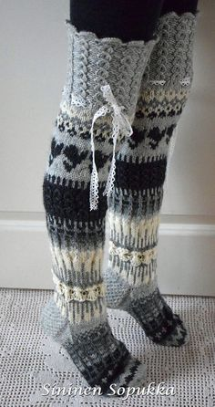 'Anelmaiset' is knee high wool socks with patterns, lace, flowers and other beautiful decorations created by Anelma Kervinen. Wool Socks, Knitting Socks, Hand Knitting, Mode Crochet, Knit Crochet, Knitting Patterns, Crochet Patterns, Knit Boots, Crochet Slippers