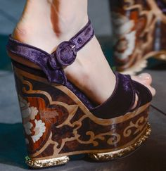 Dolce & Gabbanas Fall 2013 shoes feature climbing gardens, mosaics