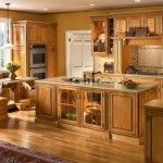 Kitchen-Paint-Colors-With-Natural-Maple-Cabinets