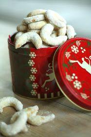 Vanilkové rohlíčky:    140g hladké mouky   100g másla   40g moučkového vanilkového cukru   (vanilkový cukr=500g cukru krupice rozmi...