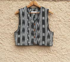 Vintage Ikat India Cotton Cropped Top Vest Black & by magicalbee Kurti With Jacket, Jacket Dress, Jacket Style, Traditional Jacket, Traditional Outfits, Kurta Designs, Blouse Designs, Ikkat Dresses, Cotton Crop Top