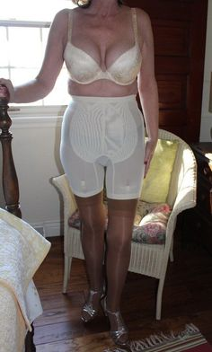 Horny girdle and garter mature ladies #4