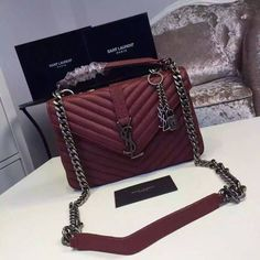2016 New Saint Laurent Bag Cheap Sale - Saint Laurent Classis . - b a g s & p u r s e s♡ - bags Fall Handbags, Chanel Handbags, Fashion Handbags, Purses And Handbags, Fashion Bags, Fashion Ideas, Cheap Handbags, Clutch Handbags, Gucci Purses