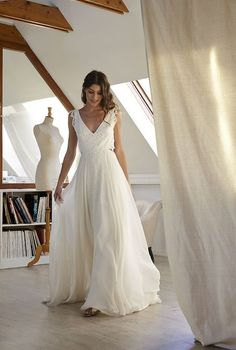 Simple A Line Chiffon Wedding Dresses Cap Sleeve V Neck Bohemian Beach Bridal Gowns - New ideas Wedding Dress Chiffon, Bridal Dresses, Cap Dress, Boho Dress, Wedding Day, Wedding Ceremony, Autumn Wedding, Garden Wedding, Summer Wedding Gowns