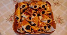 Szilvalekváros Papucs | APRÓSÉF.HU - receptek képekkel Hungarian Desserts, Waffles, Mango, Cooking Recipes, Sweets, Breakfast, Food, Manga, Morning Coffee