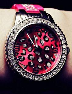 i <3 this pink cheetah print watch :)