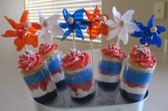 4th of July push pop cupcakes!  LOVE!
