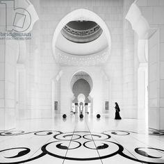 Sheikh Zayed Mosque 3, Abu Dhabi, United Arab Emirates, 2011 (b/w photo) / Photo © Ronny Behnert / Bridgeman Images