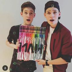 Max and Harvey look so cute in this one! Max And Harvey, Besties, Bff, Max Mills, Harvey Mills, Blue Peter, Dream Boyfriend, Stydia, Youtube Stars
