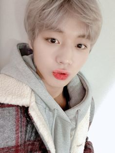 [ Mays' and Jihoon's happy time💚💛💖 Revealing a selfie of cute Jihoon who enjoys teasing Mays these days🥰 -- Shot For Me, Take A Shot, Park Jihoon Produce 101, Good Night Dear, Solo Music, Today Is My Birthday, Having A Bad Day, Jinyoung, Love Of My Life