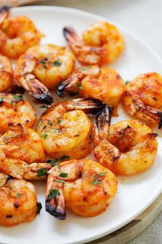 Best grilled shrimp recipe with spicy marinade. Grilled Shrimp Marinade, Easy Grilled Shrimp Recipes, Grilled Shrimp Skewers, Best Seafood Recipes, Lobster Recipes, Fish Recipes, Healthy Recipes, Reese's Recipes, Healthy Meals