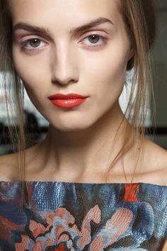 Jak nosić czerwoną szminkę, fot. Imaxtree.com/Andrew Berardi