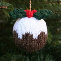 Ravelry: Knitables Christmas Pudding pattern by Sarah Gasson; free