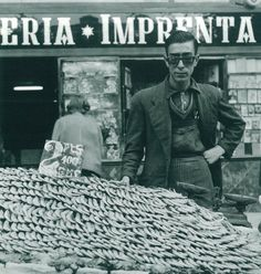 'Plaza Dos de Mayo', (selling shrimp), Madrid, May 1955 / Photo by Cas Oorthuys