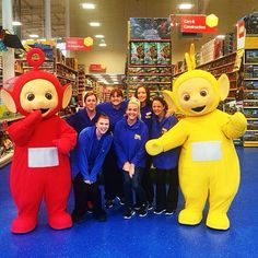 Our #Swords store is celebrating their #birthday this weekend and Laa-Laa and Po stopped by to join the #Party! #Smyths #smythstoys #heyletsplay #toystagram #teletubbies #po #laalaa #swords #dublin #bankholidayweekend #staff #birthdayparty