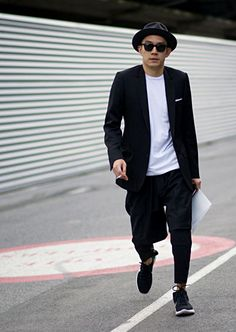 leonardhq:  EUGENE TONG - SENIOR STYLE EDITOR, DETAILS MAGAZINE Leonard HQ   Raddest Men's Fashion Looks On The Internet