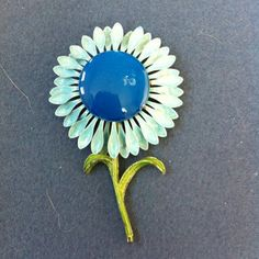 Beautiful Vintage Enamel Flower Pin Brooch