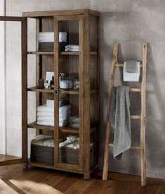 33 Simple Bathroom Furniture Your Informations Grey Bath Towels, White Hand Towels, Glass Cabinet Doors, Glass Door, Simple Bathroom, Gold Bathroom, Bathroom Sets, Spa Bathrooms, Bathroom Beach