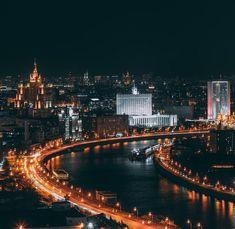 Ночная, весенняя Москва