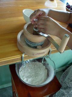 Hand grain mill review & comparisons -