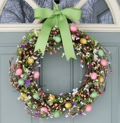 Easter wreath craft and spring wreaths plastic easter egg wreath diy Wreath Crafts, Diy Wreath, Wreath Ideas, Grapevine Wreath, Wreath Burlap, Easter Wreaths, Holiday Wreaths, Spring Wreaths, Summer Wreath