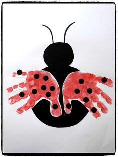 Petite coccinelle & ladybug handprints, spring, diy child The post Little ladybug & appeared first on Best Pins. Toddler Art, Toddler Crafts, Preschool Crafts, Crafts For Kids To Make, Diy And Crafts, Arts And Crafts, Ladybug Crafts, Handprint Art, Summer Crafts