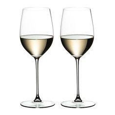 De Veritas glazen van Riedel geven je drankje genoeg ruimte om de smaken tot hun recht te laten komen.De aroma's ontwikkelen zich hierdoor in het dunne, lichte glas. Ook fijn, hij kan gewoon in de vaatwasser! Zinfandel Wine, Chardonnay Wine, Cheese And Wine Tasting, Wine Cheese, Pinot Noir Wine, Chenin Blanc, Wine Stains, Red Wine Glasses, Expensive Wine
