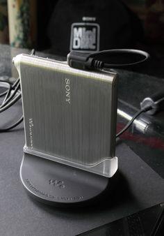 Sony MZ-E10 MiniDisc player (2002)