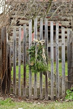So simple, so pretty..Christmas in Zoar 2012 by Chiot's Run, via Flickr
